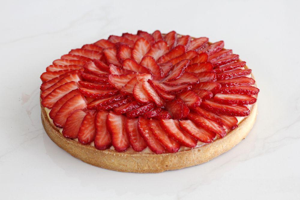 פאי תותים עם קרם פטיסייר