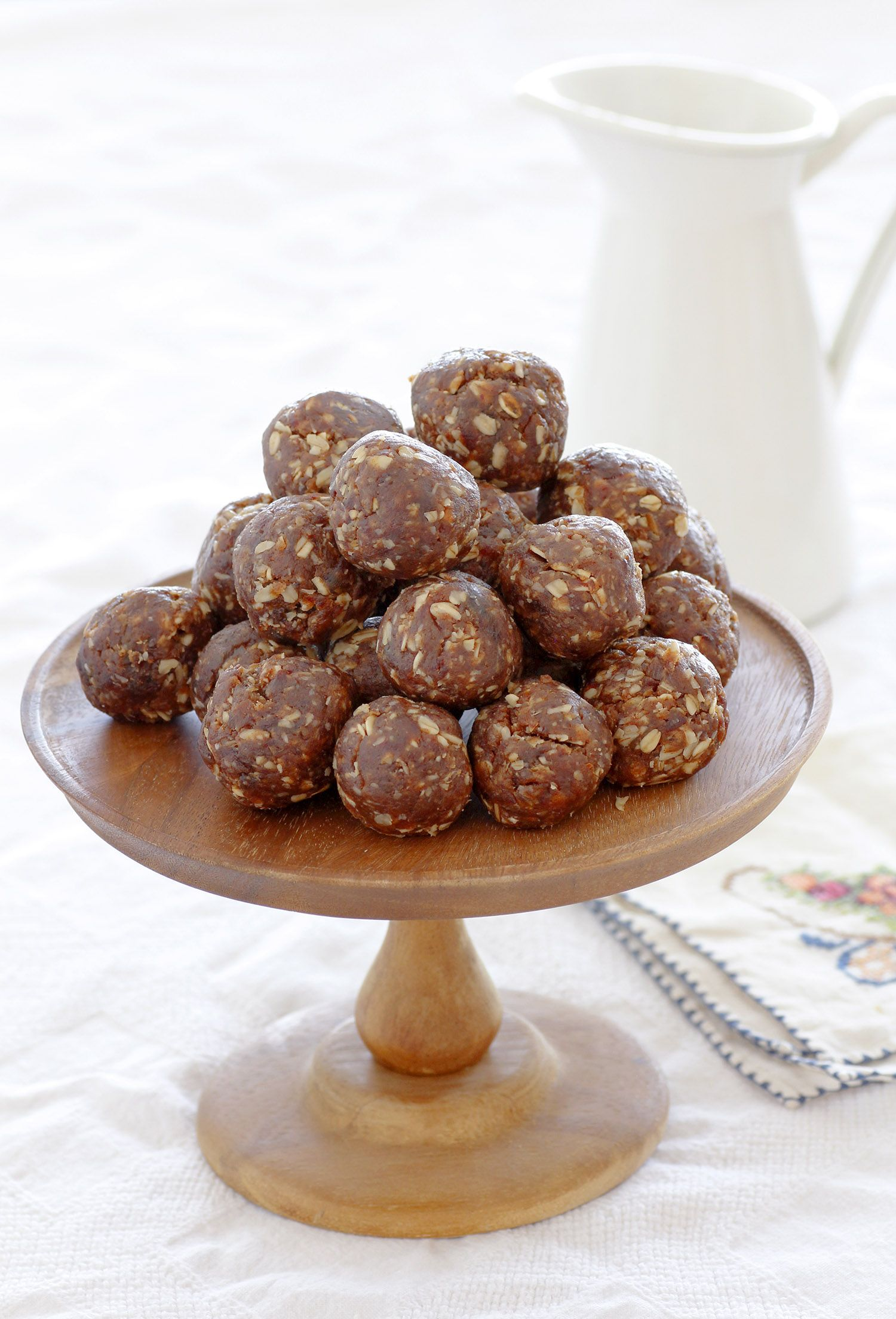 Peanut Butter and Oatmeal Energy bites