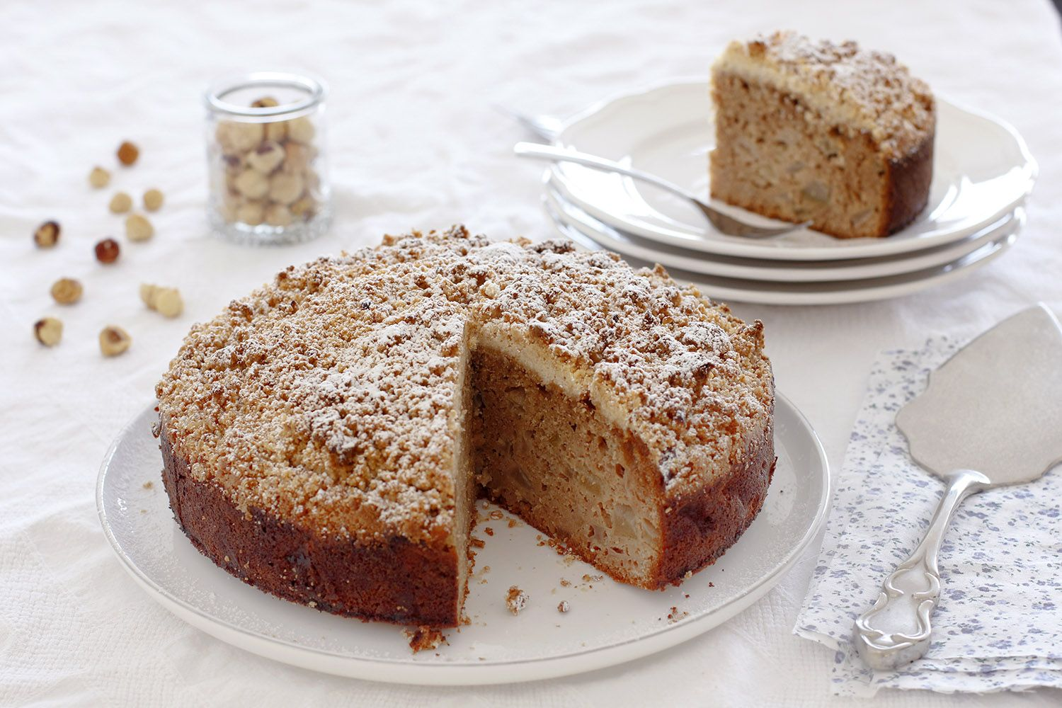 Pear Cake with Hazelnut Streusel