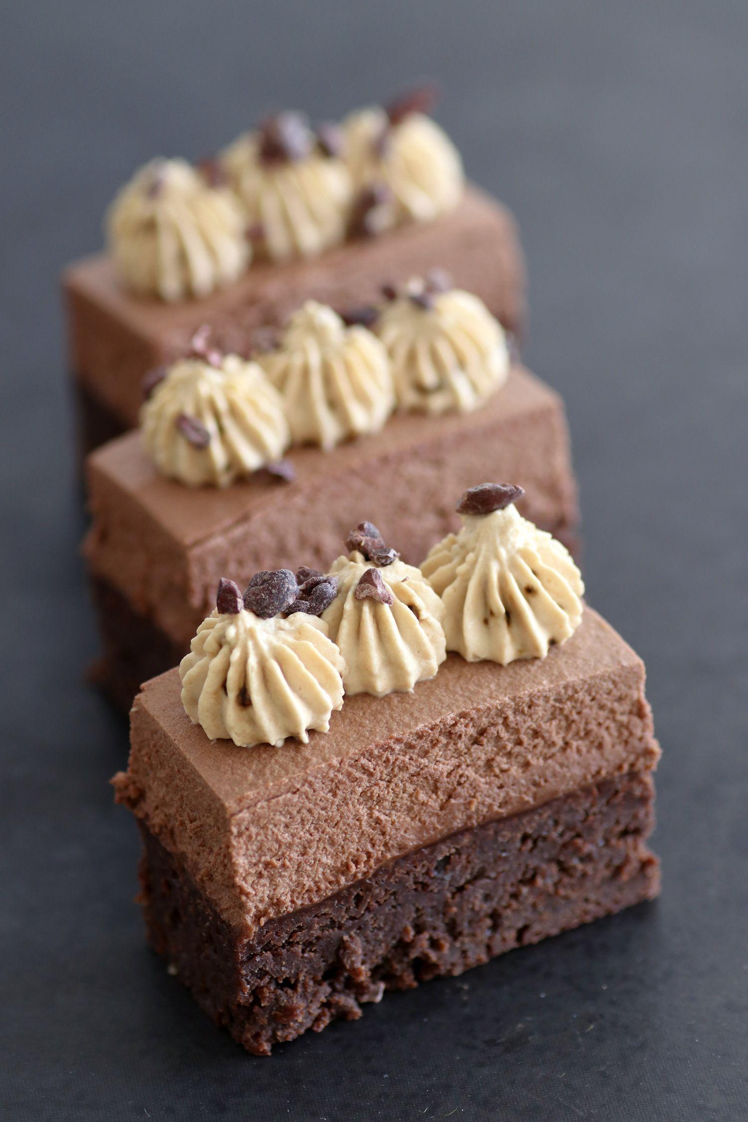 קוביות שוקולד ומיסו עם קצפת קפה