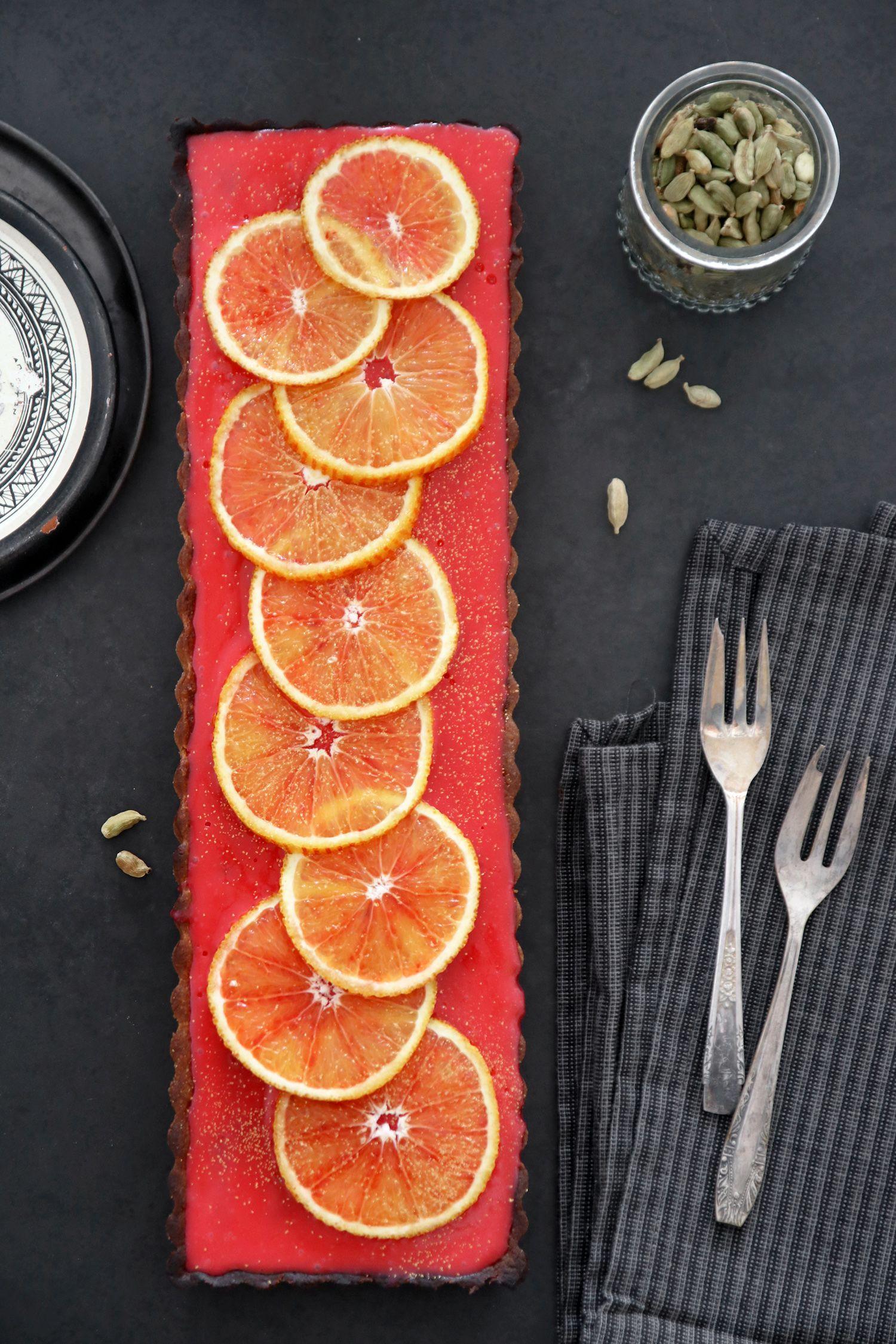 טארט תפוזי דם עם שוקולד לבן והל