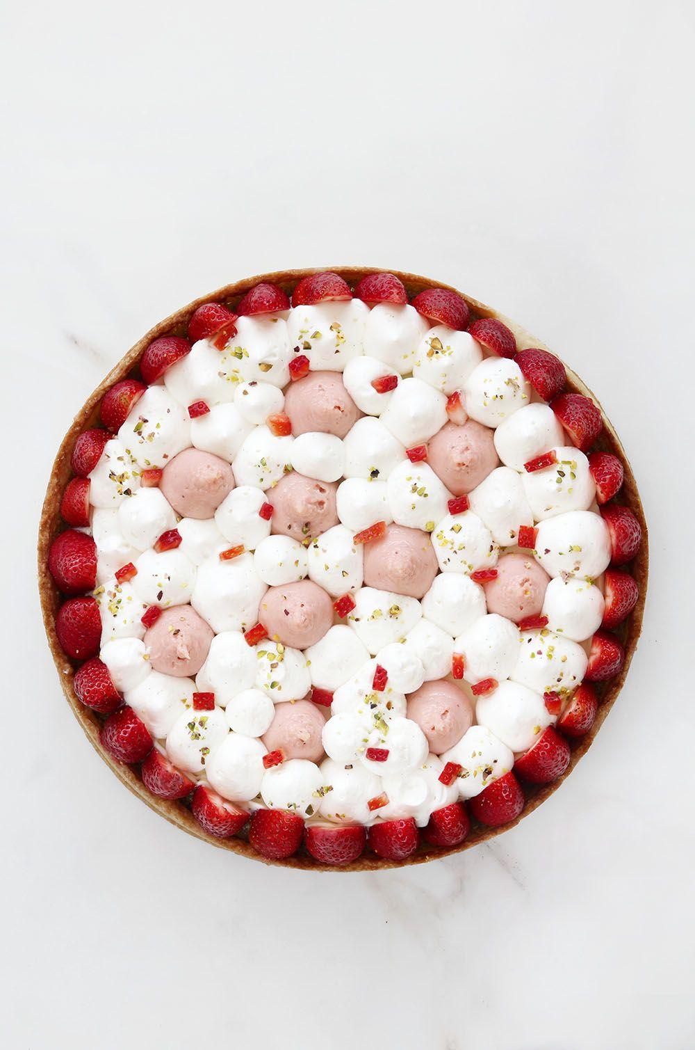 פאי תותים ושוקולד לבן עם קרם פיסטוק