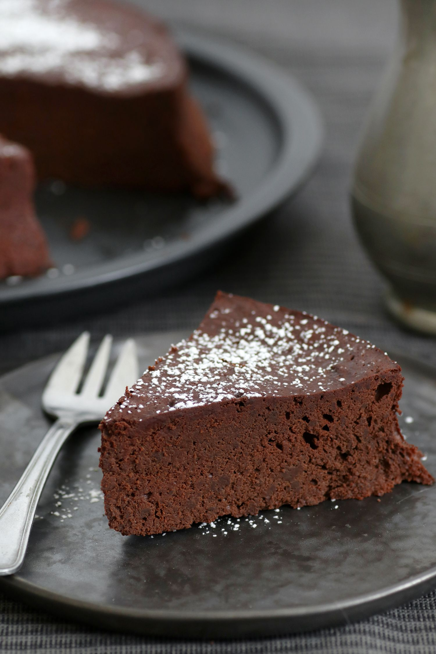 Dairy Free Gluten Free 5 Ingredients Chocolate Cake