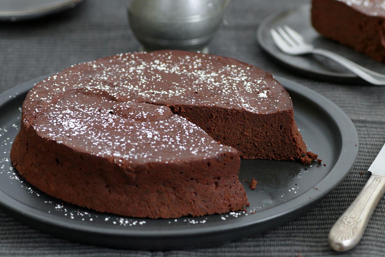 עוגת שוקולד פרווה לפסח מ-5 מצרכים בלבד