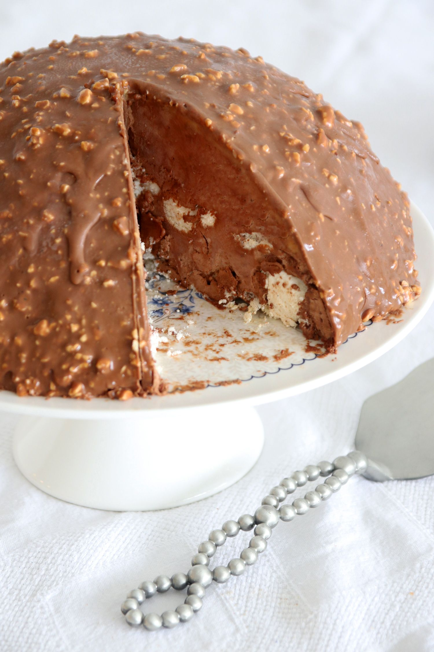 No Bake Chocolate Bomb Cake