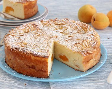עוגת משמשים עם ריקוטה ושקדים | צילום: נטלי לוין