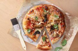 פיצה ביתית   צילום: נטלי לוין