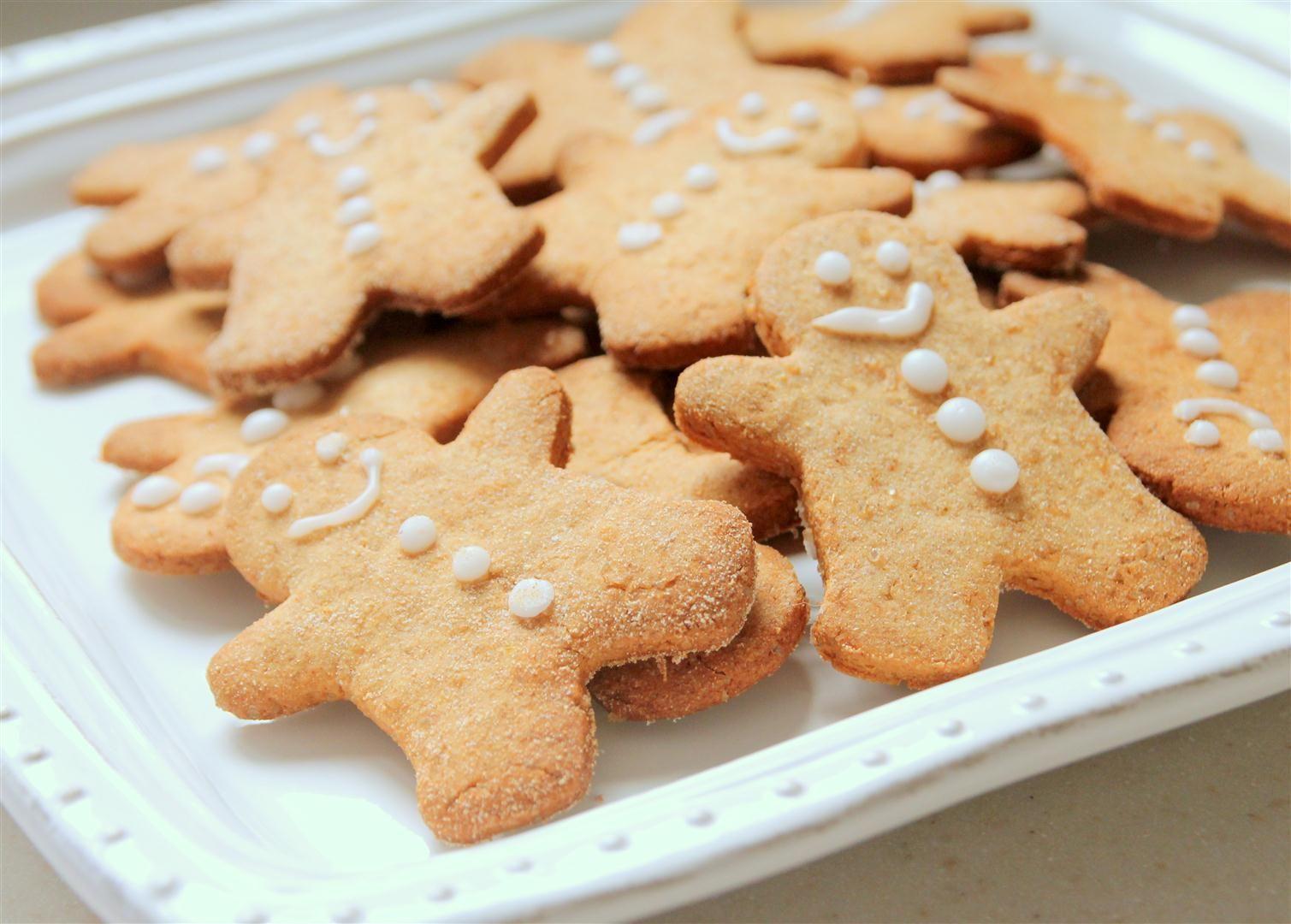 עוגיות ג'ינג'ר ושקדים עם דבש | צילום: נטלי לוין