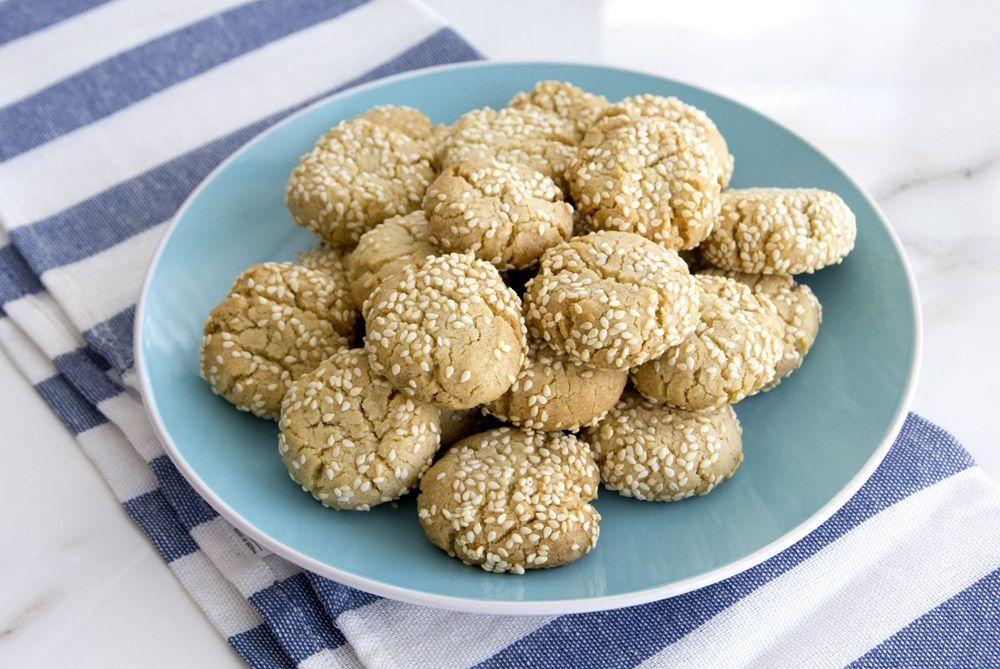 עוגיות טחינה ושקדים   צילום: נטלי לוין