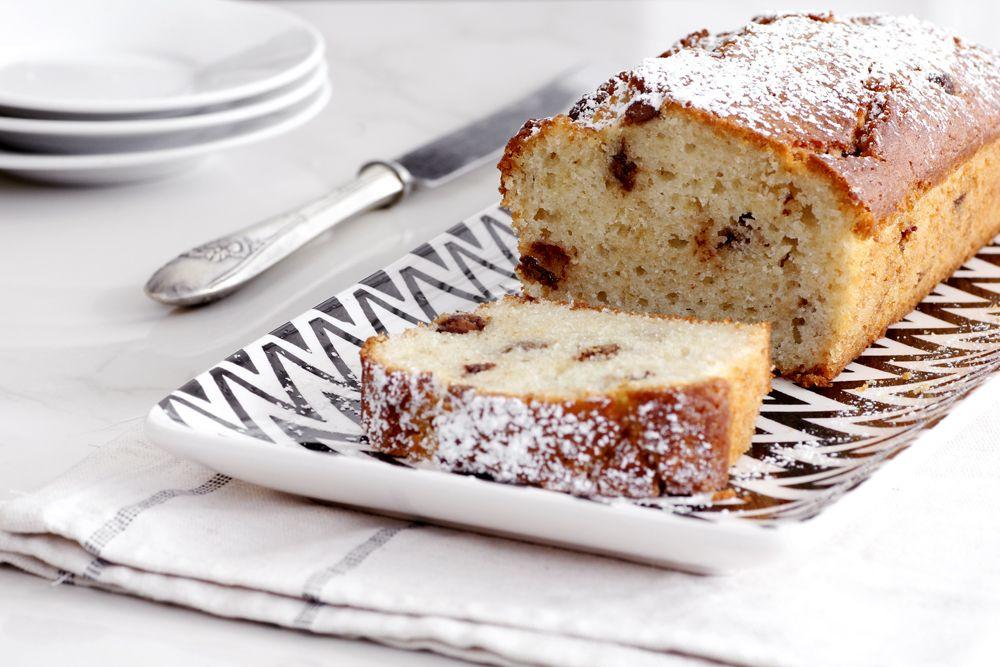 עוגת טחינה עם שוקולד ושקדים