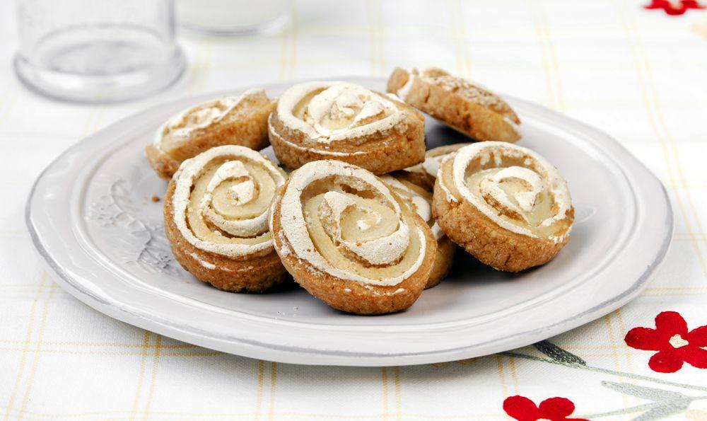 עוגיות שושני מרנג ושקדים