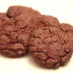 עוגיות שוקולד פאדג' עם אגוזי לוז