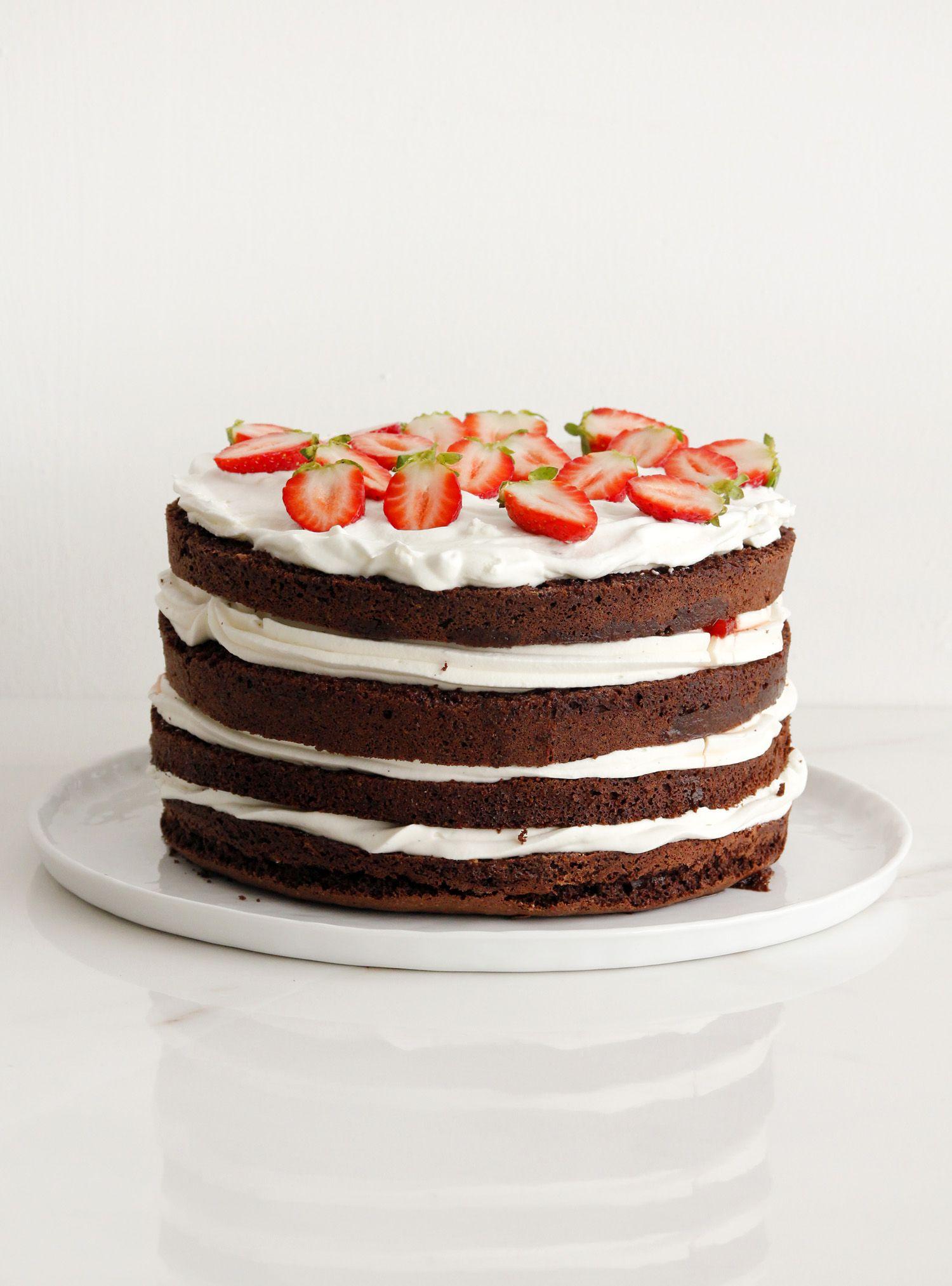 עוגת שכבות שוקולד, קצפת ותותים