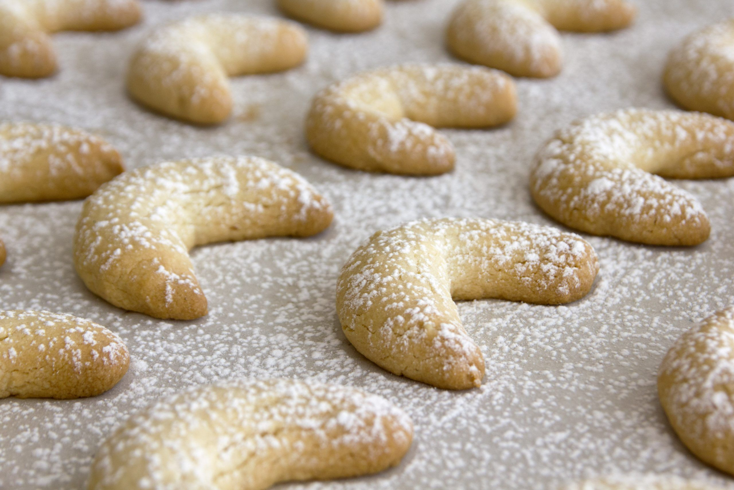עוגיות שקדים ממכרות   צילום: נטלי לוין