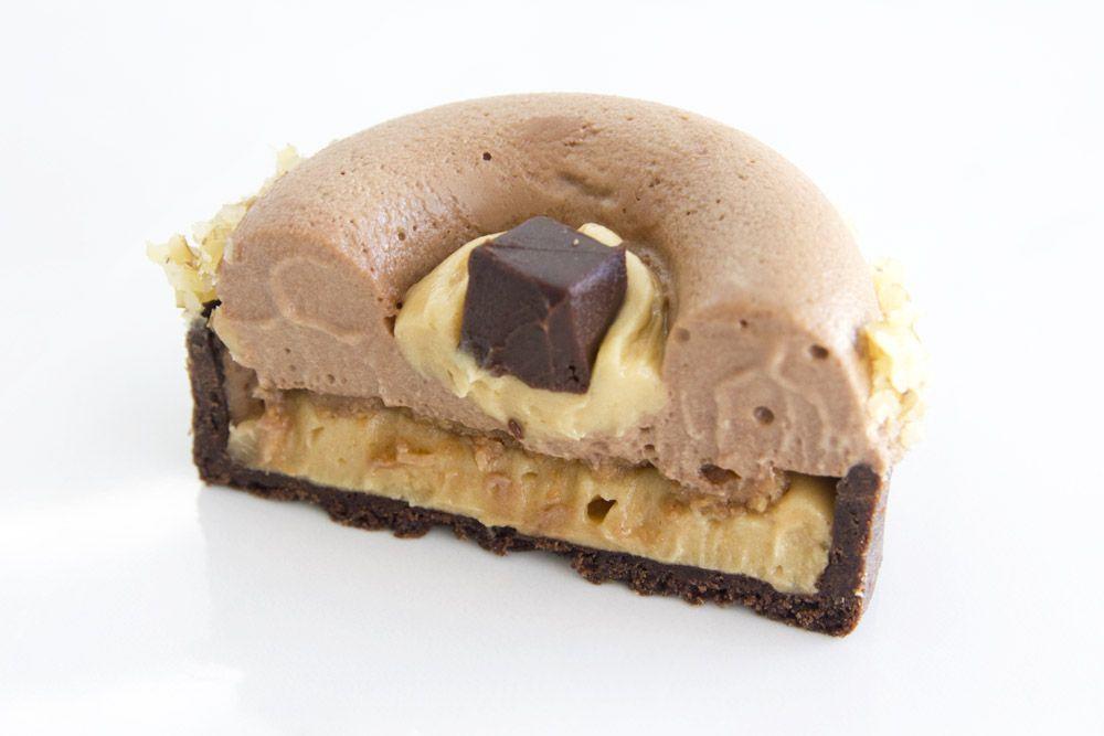 טארטלט שוקולד חלב וחמאת בוטנים | צילום: נטלי לוין