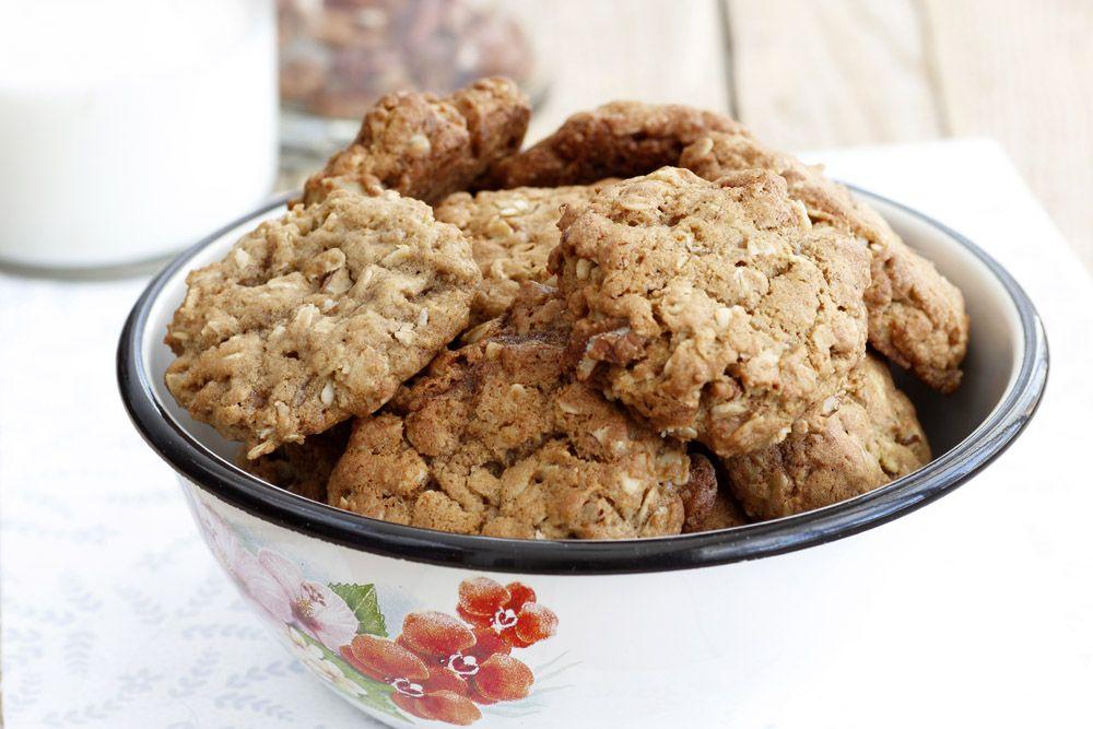עוגיות שיבולת שועל עם מייפל ופקאן   צילום: נטלי לוין