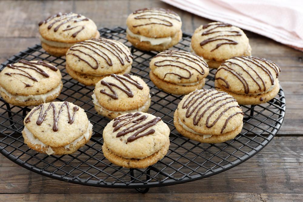 עוגיות קפה במילוי חלבה