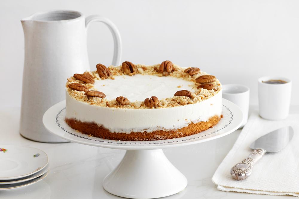עוגת מוס חלבה עם דבש ופקאן