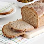 לחם מקמח מלא עם שיבולת שועל