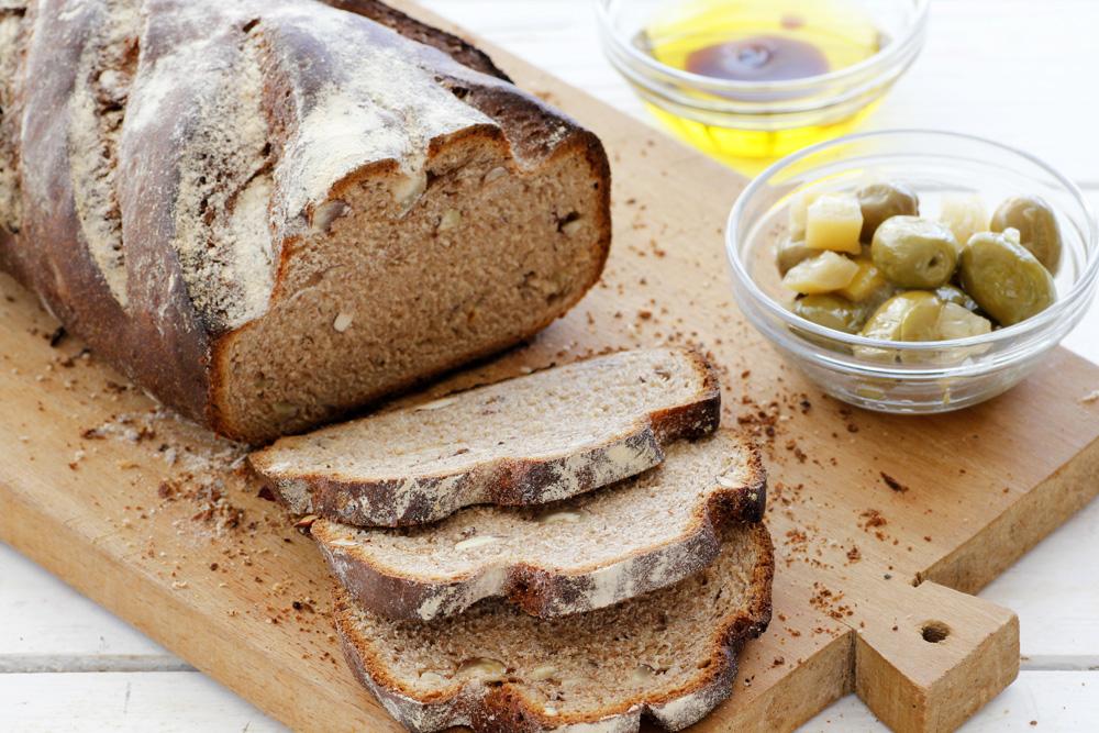 לחם ערמונים ואגוזי לוז