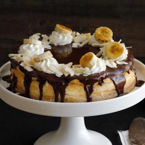 עוגת גבינה עם קוקוס, בננות ושוקולד
