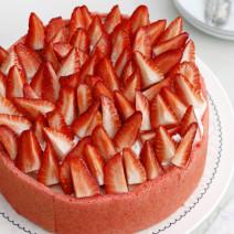 עוגת תותים, וניל ומרנג