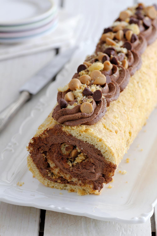 רולדת חמאת בוטנים עם שוקולד ובמבה