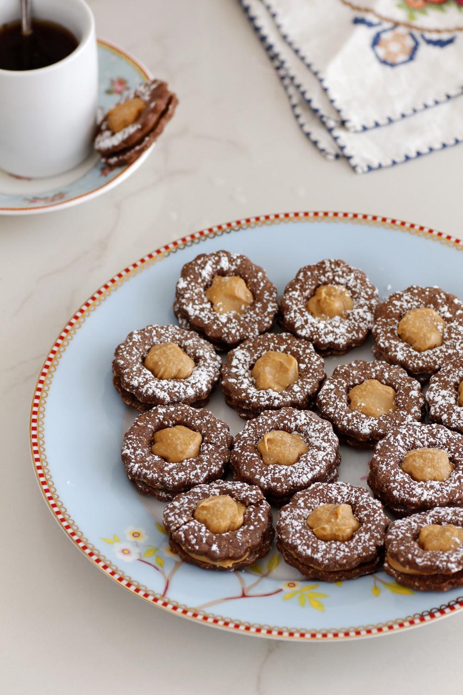 עוגיות סנדוויץ' שוקולד ללא גלוטן | צילום: נטלי לוין