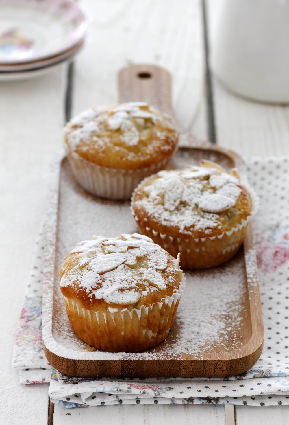 Pear Muffins with Cream Cheese and Almonds