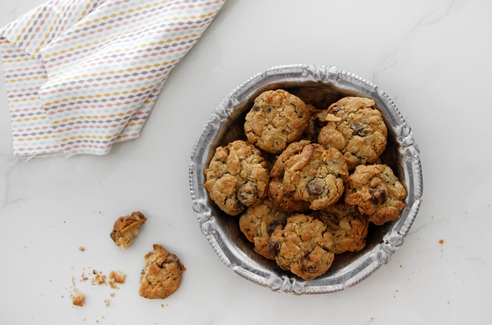 Cashew Cookies with Coconut and Chocolate