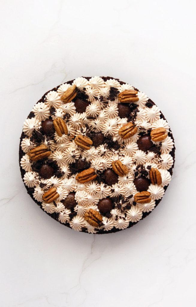עוגת שוקולד, פקאן ופרלינה