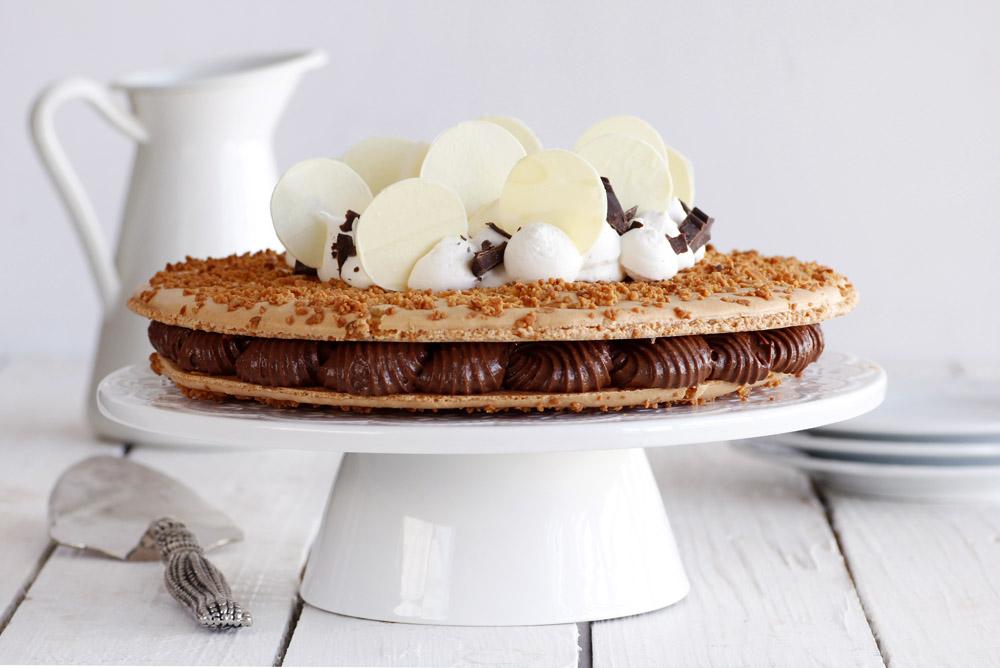 עוגת מקרון קוקוס ושוקולד