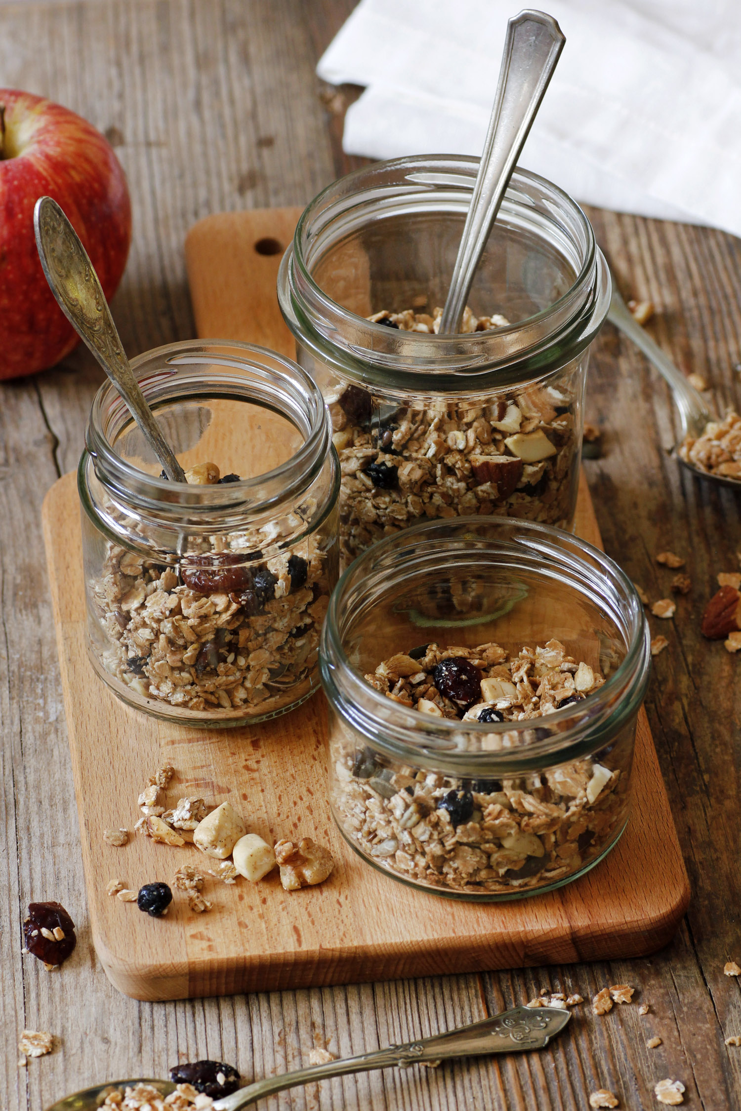 Spelt Granola with Fruits and Nuts