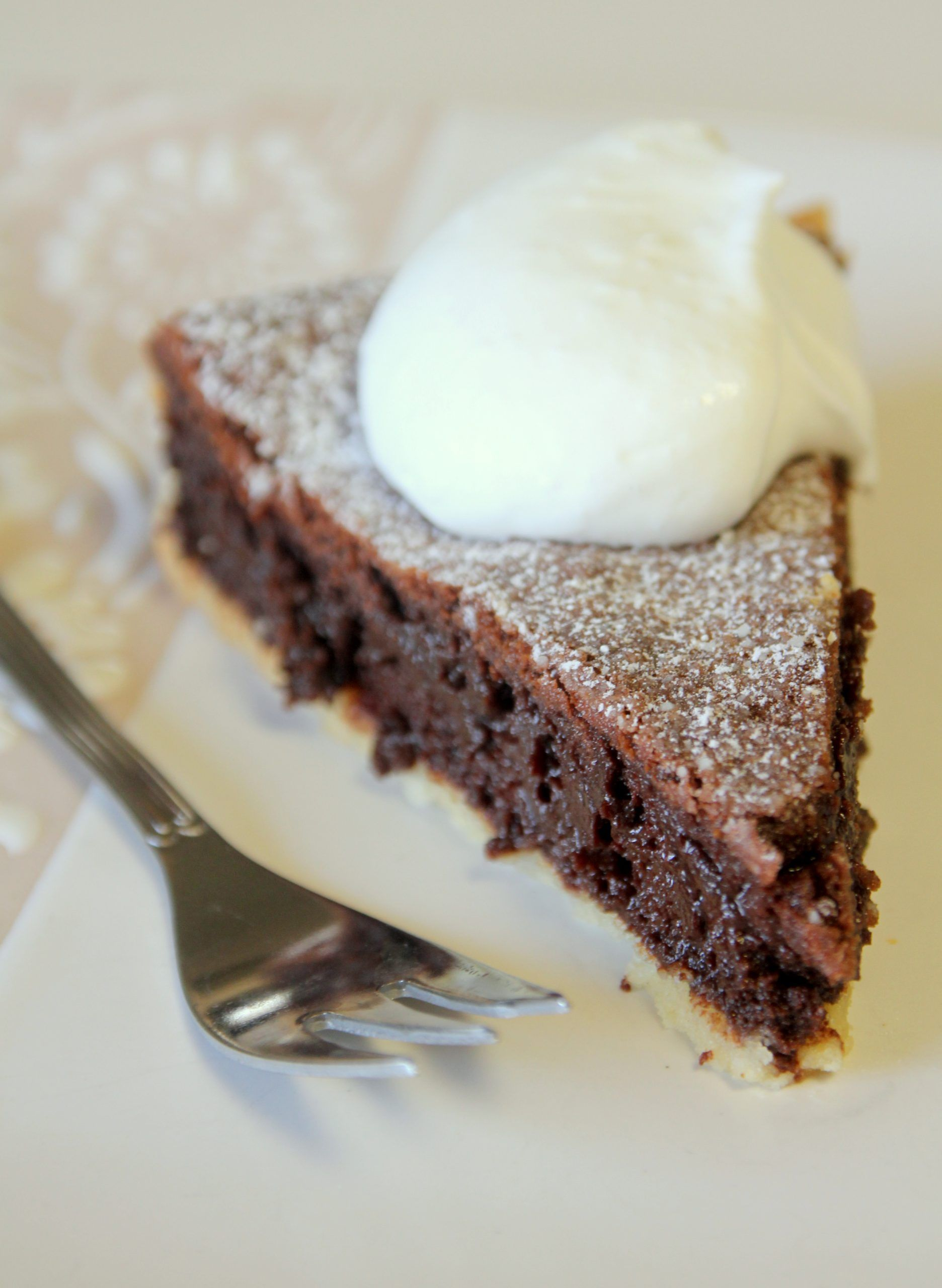 פאי שוקולד מריר | צילום: נטלי לוין
