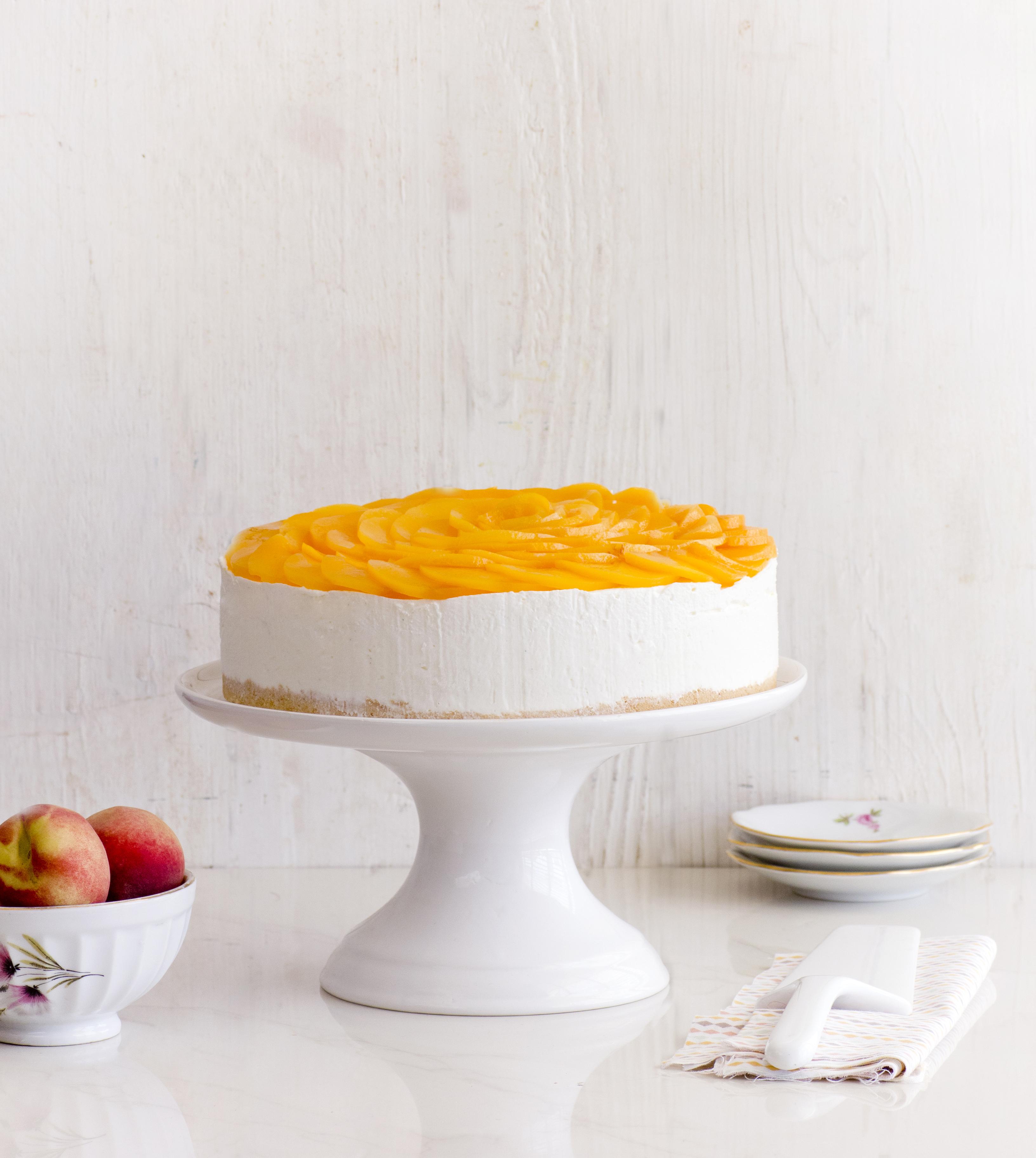 עוגת גבינה קרה עם אפרסקים
