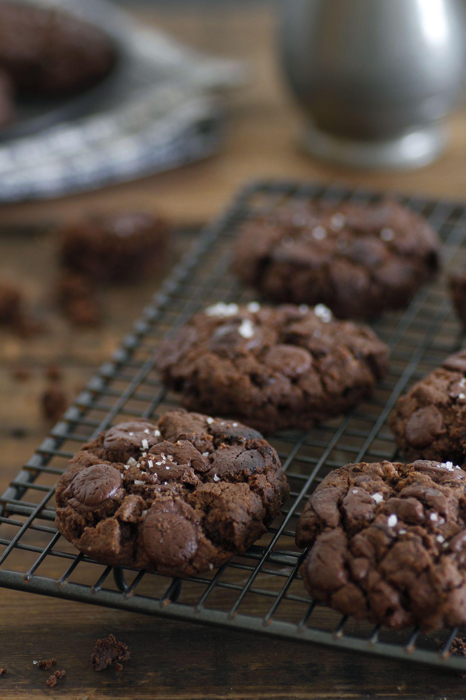 עוגיות דאבל שוקולד וחמאת בוטנים