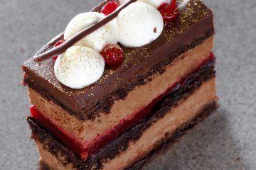 עוגת שוקולד ופטל | צילום: נטלי לוין