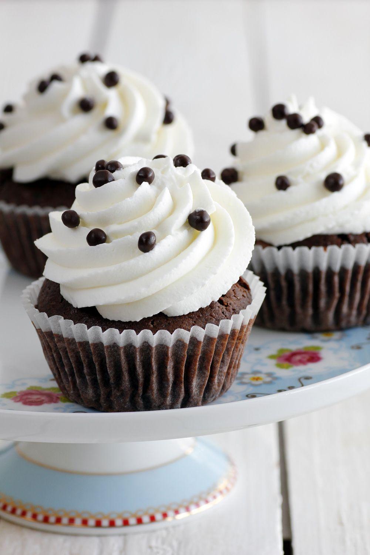 קאפקייקס שוקולד וקצפת | צילום: נטלי לוין