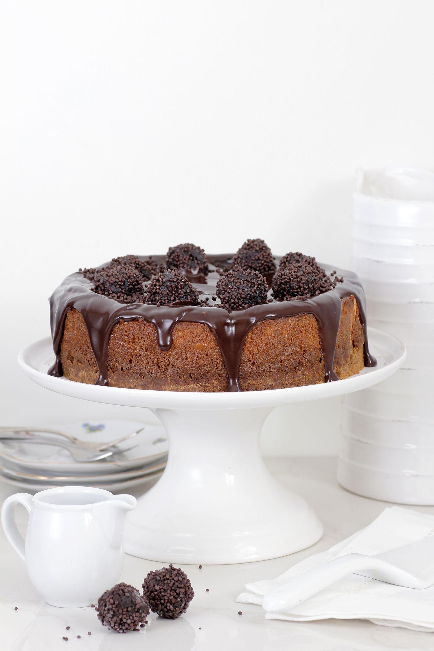 עוגת גבינה עם כדורי שוקולד