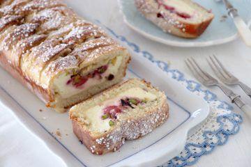 עוגת שמרים מלבי | צילום: נטלי לוין
