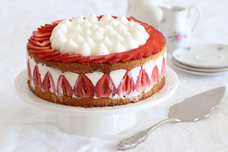 עוגת פריזייה תותים קלאסית | צילום: נטלי לוין