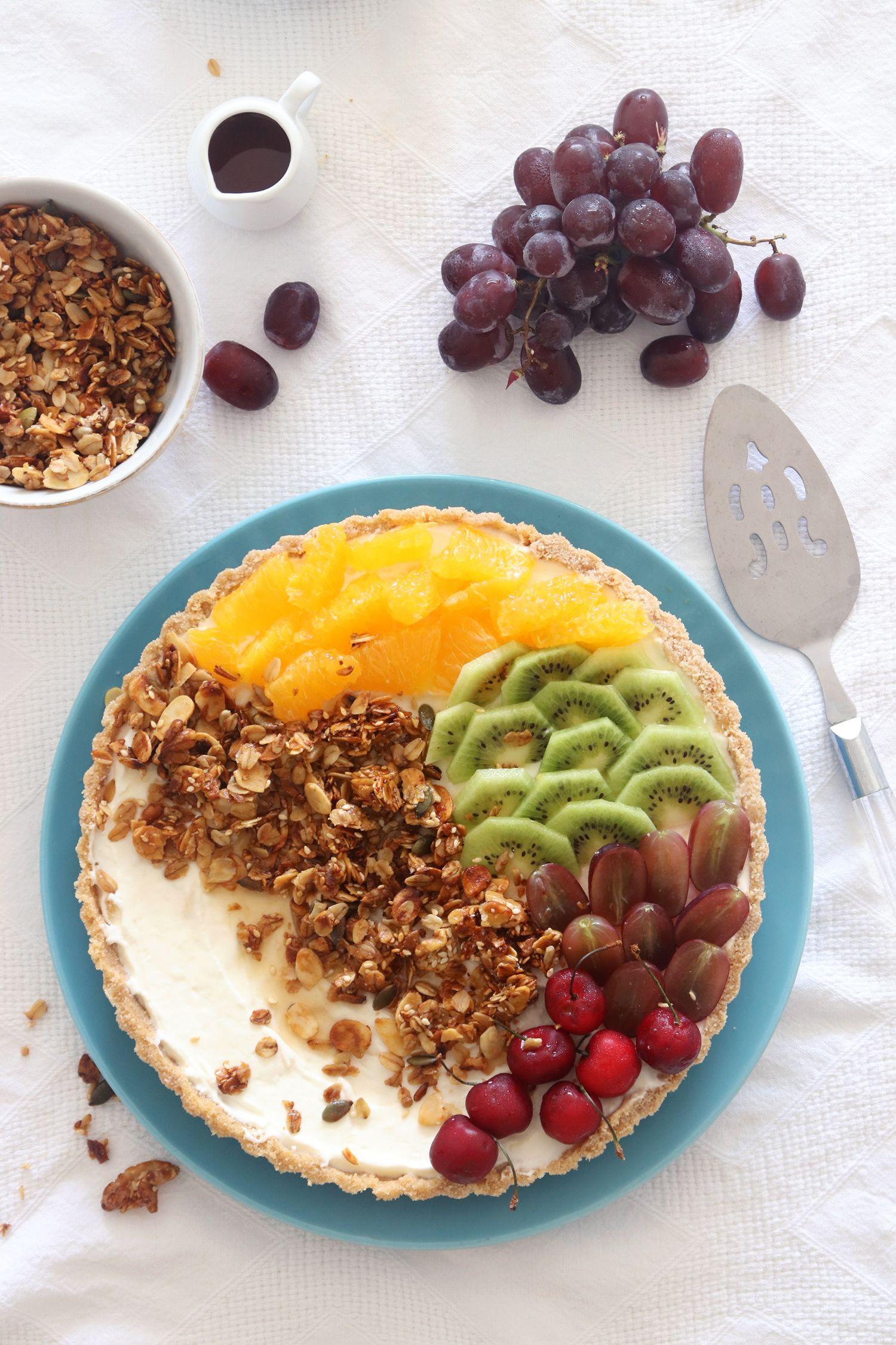 No Bake Yogurt and Granola Breakfast Tart with Fresh Fruit