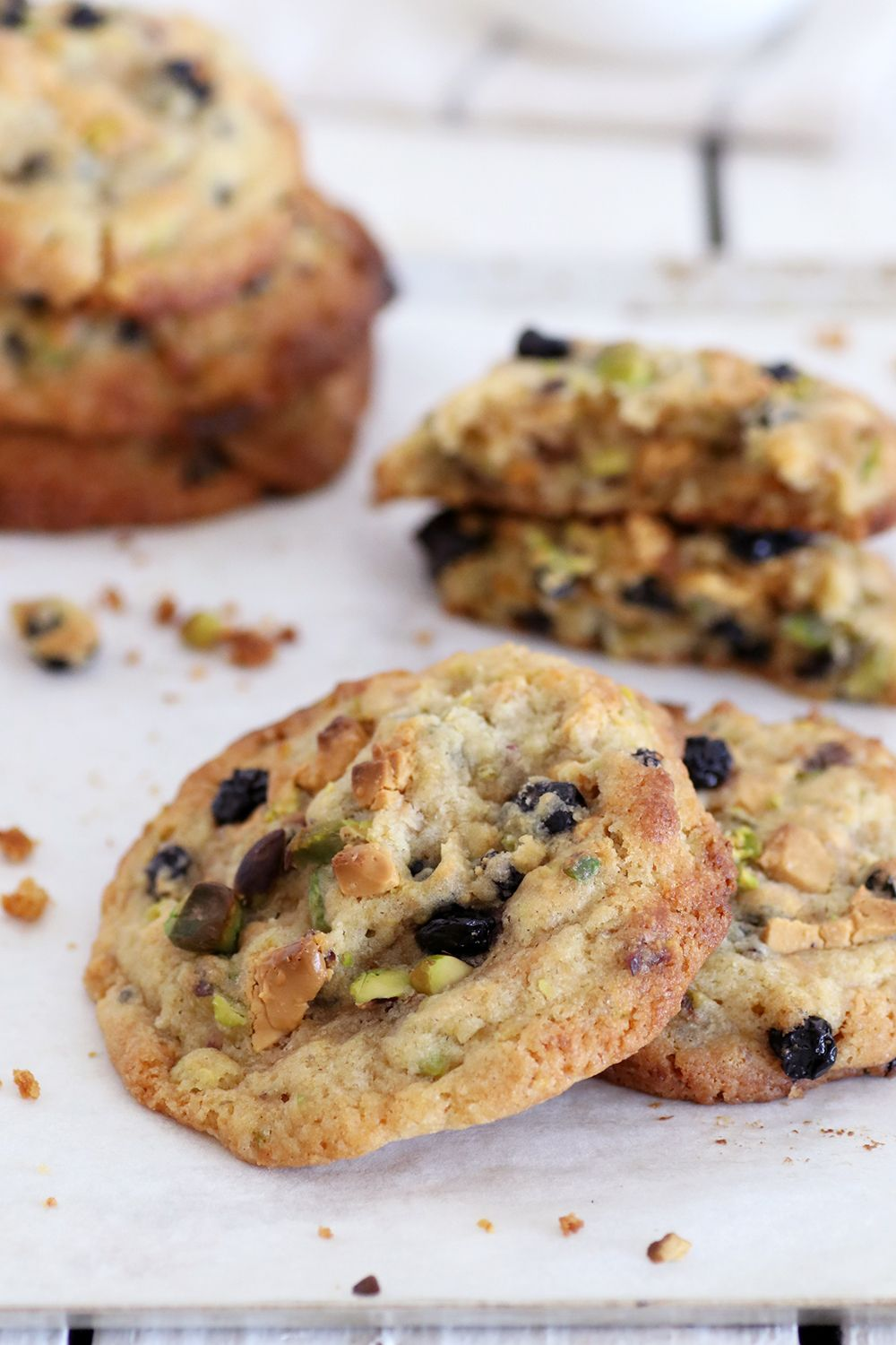 Caramelized White Chocolate Cookies with Pistachios and Blueberries