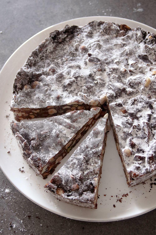 פנפורטה שוקולד ואגוזים | צילום: נטלי לוין