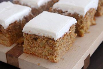 עוגת גזר וקרם פרש כמו בפורט סעיד | צילום: נטלי לוין