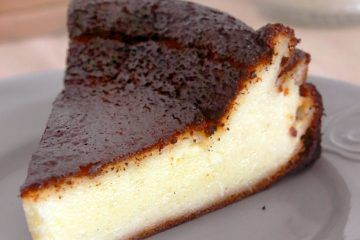 עוגת גבינה באסקית | צילום: נטלי לוין