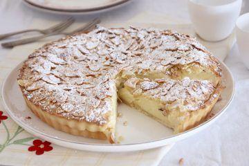 טורטה דלה נונה גבינה ושקדים | צילום: נטלי לוין