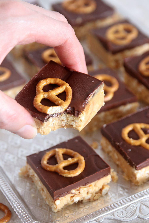 חטיף שוקולד ובייגלה עם חמאת בוטנים | צילום: נטלי לוין