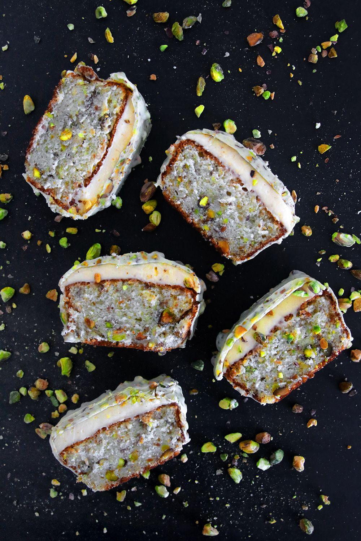 עוגת פיסטוק עם קרם ליים א-לה-נטורל | צילום: נטלי לוין