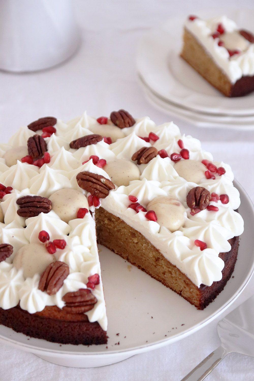 עוגת דבש מקושטת | צילום: נטלי לוין